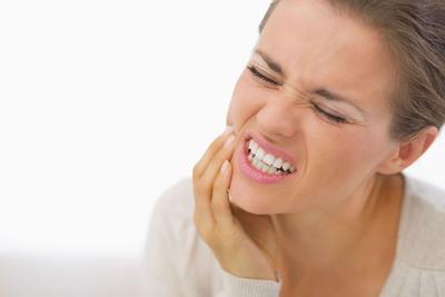 Atasi Masalah Gigi Berlubang Secara Alami