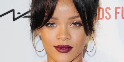 3. Lipstik Berry