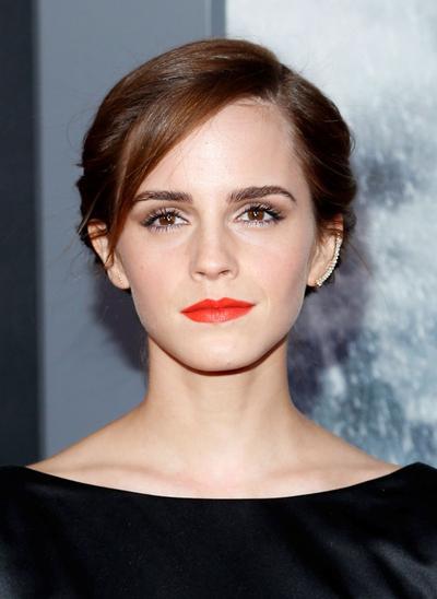 5. Lipstik Orange
