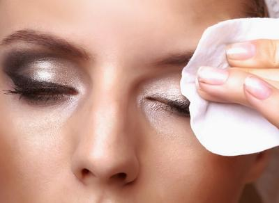 Inilah 5 Rekomendasi Makeup Remover untuk Kulit Kering