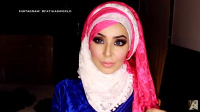 Gaya Hijab Pashmina Formal untuk Acara Pernikahan