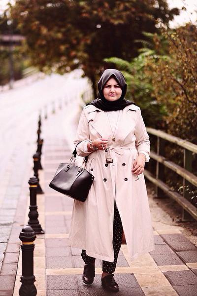 Tips Busana Hijab untuk Pemilik Tubuh Gemuk  4ed4f6636b