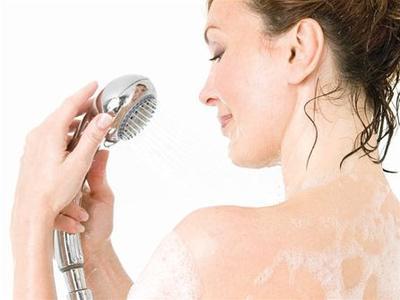 Lembabkan Kulit Dengan 5 Moisturizing Body Wash Terlaris
