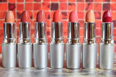 Rekomendasi 5 Pilihan Lipstik Matte Terbaik dan Tahan Lama
