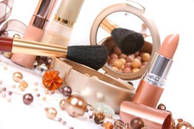 4 Produk Makeup yang Wajib Dibawa Saat Mudik