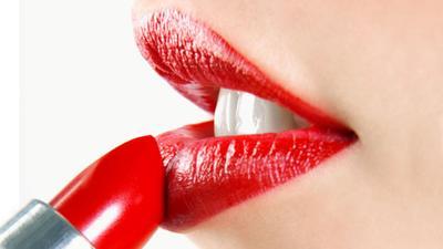 Trik agar Lipstik Glossy Tahan Lama