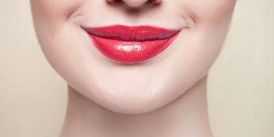 Tips Memakai Lip Gloss Agar Tidak Berantakan dan Tahan Lama