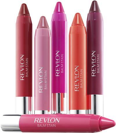 Pakai Lipstick Ini Agar Warna Bibir Tak Gampang Pudar (Bagian 2)