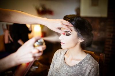 6 Rekomendasi Setting Spray Agar Makeup Tetap Matte Sepanjang Hari