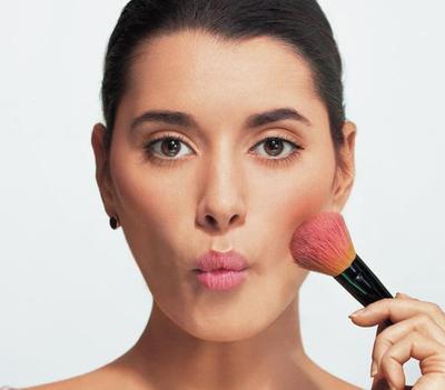 Intip Rekomendasi 5 Blush On Terbaik untuk Pemula