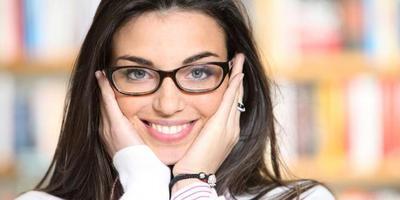 Makeup untuk Wanita Berkacamata