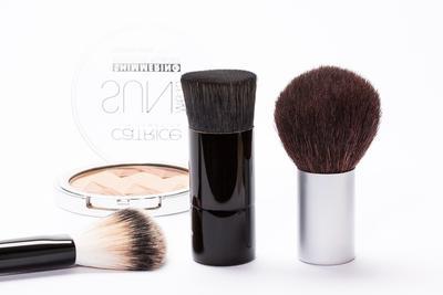 Kosmetik yang Lebih Baik Ditinggalkan Saat Mudik