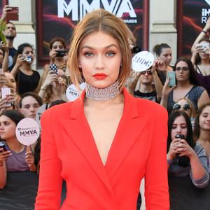 Inspirasi Makeup Selebriti di iHeart Radio Much Music Award 2016