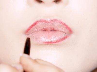 Rekomendasi 5 Lip Liner untuk Pemula