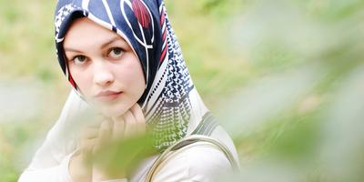 Tips Mencegah Munculnya Aroma Tak Sedap saat Mengenakan Hijab