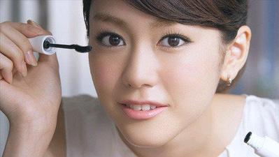 Penyebab & Trik Mudah Mengatasi Bulu Mata yang Tak Kunjung Lentik