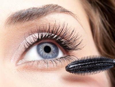 Fokus Pada Mascara Daripada Eyeshadow
