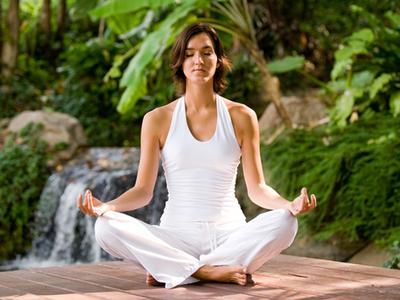 5 Gerakan Yoga untuk Mencerahkan Kulit