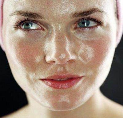Rekomendasi 4 Bedak untuk Kulit Wajah Berminyak