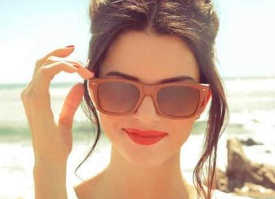 Lakukan Hal Berikut Jika Ingin Lipstikmu Tahan Lebih Lama