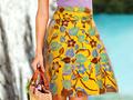 Tampil Cantik dengan Gaya Casual Rok Batik