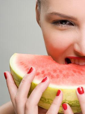 Cara Terbaik Menggunakan Buah Semangka untuk Kulit Sehat dan Cantik