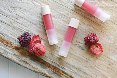 Ternyata Kamu Bisa Membuat Lipstick Matte Sendiri dengan Cara Ini