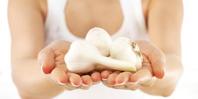 Pakai Bawang Putih untuk Kuku Lebih Kuat & Sehat
