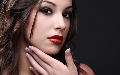 Rekomendasi Brightening Peeling yang Wajib Kamu Coba untuk Kulit Indah Bercahaya