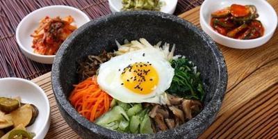 Tiru 5 Kebiasaan Makan Wanita Korea Agar Lebih Cantik