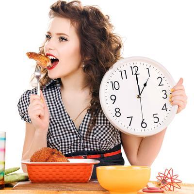 3. Sengaja Makan Terlambat