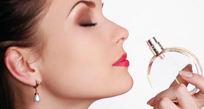Percaya Diri dengan Pilihan Wangi Parfum Wanita yang Disukai Pria