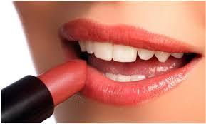 Lipstik dengan Warna Soft atau Nude
