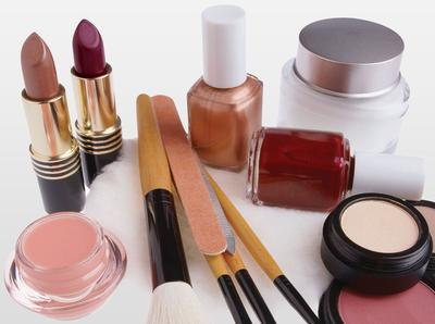 Yuk, Kenali Usia Produk Makeup yang Kamu Gunakan