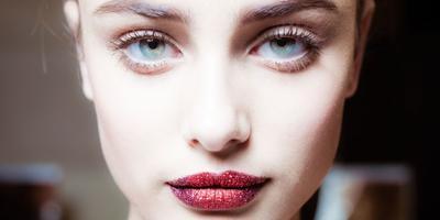 Glitter, Tren Makeup Runway ala Pat McGrath