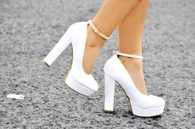 Pilihlah High Heels dengan Heels yang Tebal