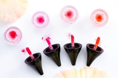 Lipstick Berbentuk Powder? Introducing New Hottest Trend: RiRe Lip Powder
