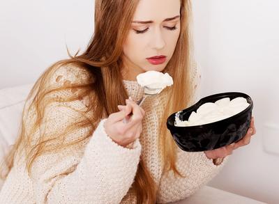 Sedang Stres? Redakan dengan Makanan Ini Supaya Nggak Jadi Gemuk!