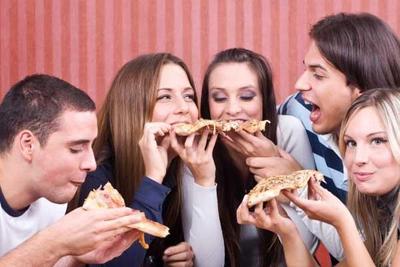 Cara Pintar Menyantap Pizza Tanpa Rasa Bersalah