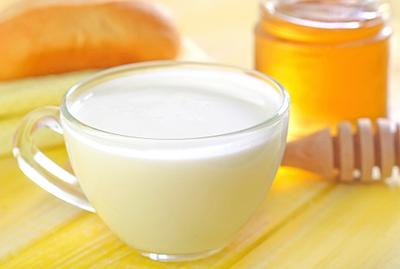 5 Minuman Terbaik Sebelum Tidur untuk Bantu Turunkan Berat Badan