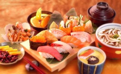 1. Mengonsumsi Nasi, Ikan dan Tahu