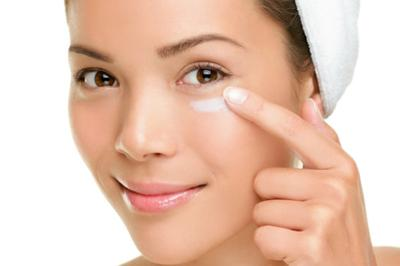 3 Eye Cream di Bawah Rp200.000 untuk Kulit Mata yang Lebih Kencang dan Fresh