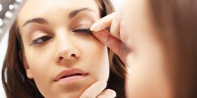 Bulu Mata Palsu Mudah Lepas? Ini Tips dan Trik Tepat Untuk Mengatasinya