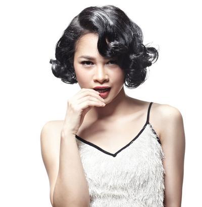 Ingin Terlihat Muda di Usia 30an? Intip Gaya Rambut 3 Selebritis Indonesia Ini Yuk!