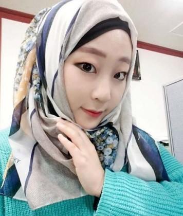 Warna dan Model Hijab Pilihan