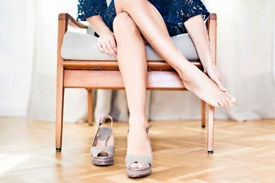 Kaki Sakit Pakai Heels? Atasi Dengan Lima Trik Ini!