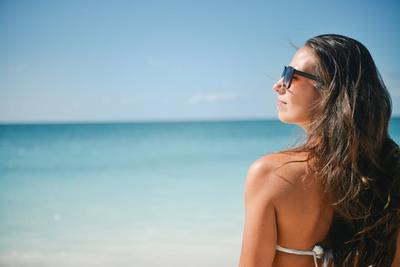 3 Sunscreen Populer yang Ampuh Melindungi Kulit Agar Tidak Jadi Belang