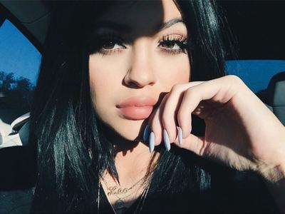 Inilah 4 Pilihan Lip Liner ala Kylie Jenner dengan Harga Mahasiswa