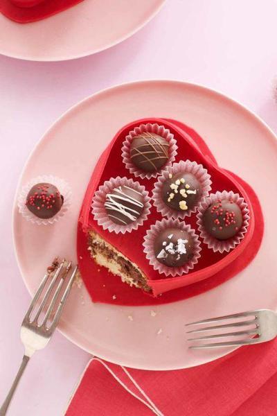 Bikin Valentine Lebih Spesial, Yuk Coba Bikin Resep Coklat yang Unik Ini!