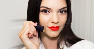 Warna Lipstik Berikut Ini Dijamin Serasi Dengan Kulit Kuning Langsatmu!